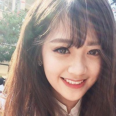 Chị Hoàng Việt Hà